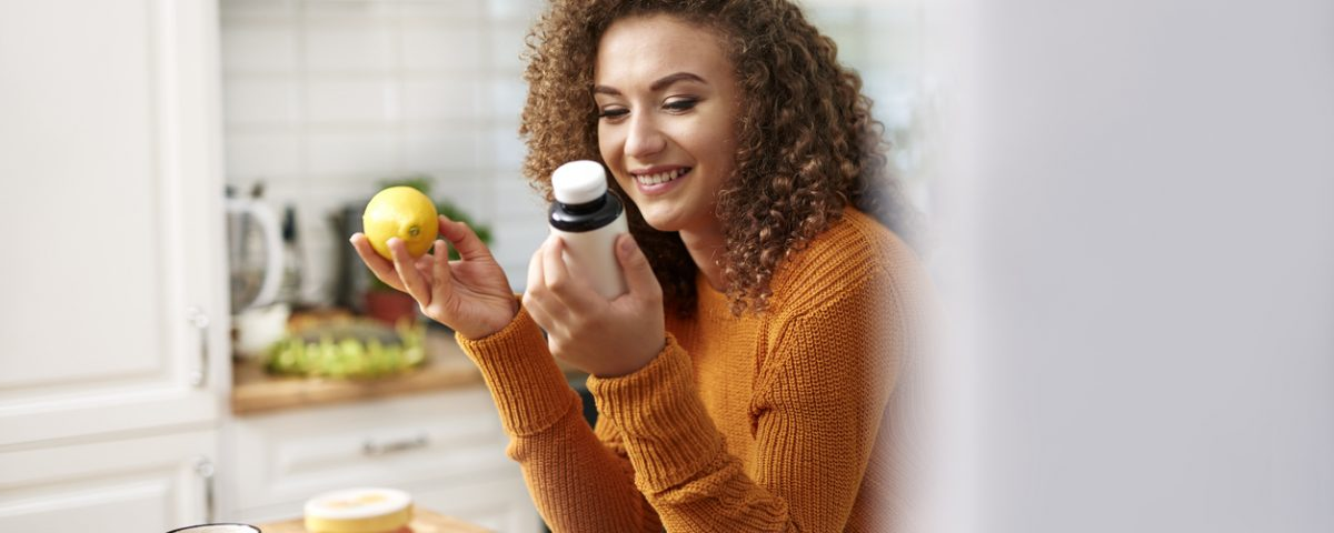 Woman in 20's choosing nutrition